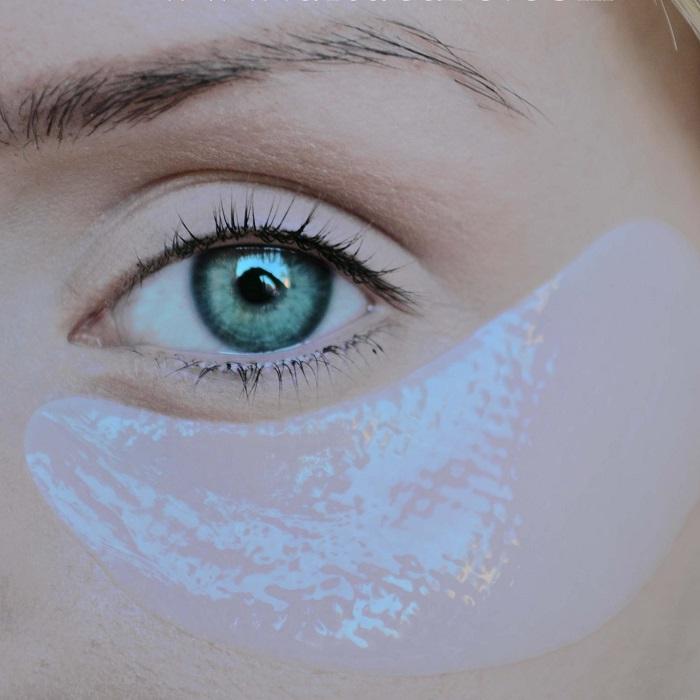 plečová maska okolo očí a pier
